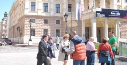 Predaj časopisov na Hviezdoslavovom